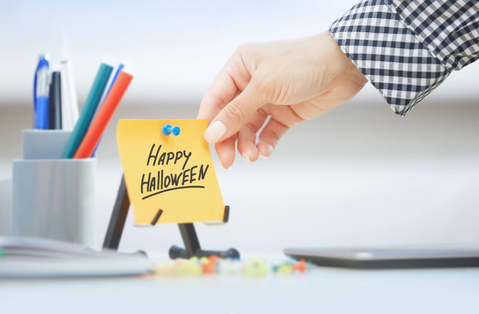 halloween-office-decor